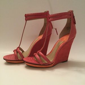 B Brian Atwood Pinkston Wedge Sandal (Sz 8)